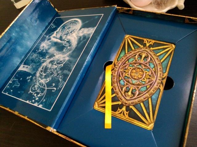 tarot_illuminati_02_interiorbox