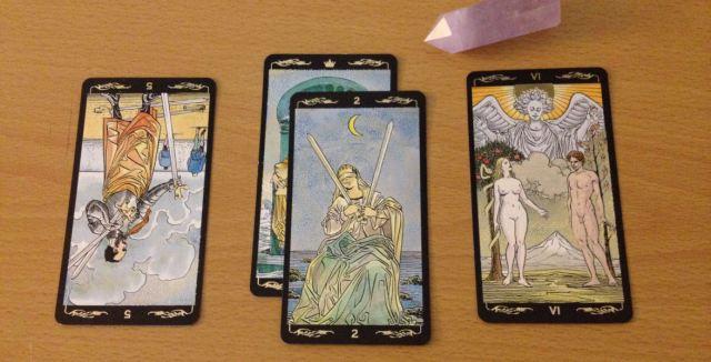 Basic 3 Card Reading. The Golden Universal Tarot.