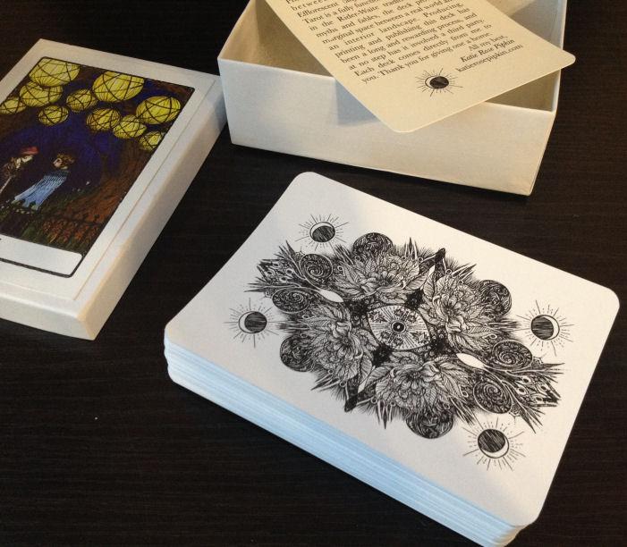Efflorescent Tarot Review 03 Packaging