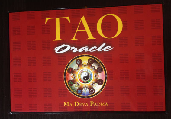 Tao Oracle Deck 03 Guidebook