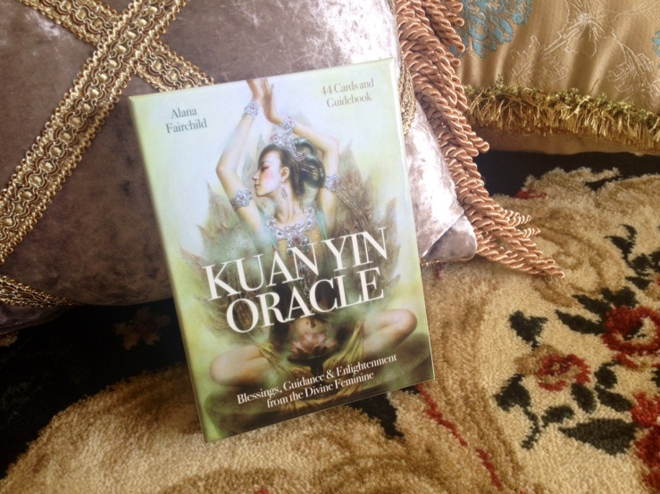 Kuan Yin Oracle Deck - 01 Box Cover