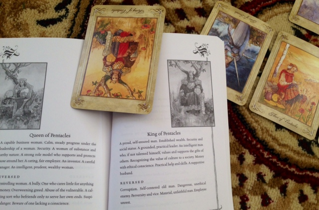 LlewellynTarot_Reading_CardandBook_1KingofPents
