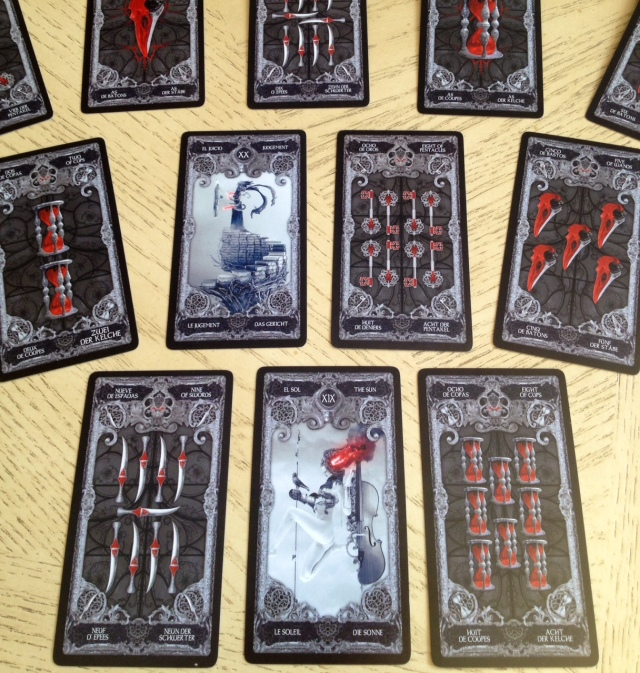 Notice how the Majors stand out in a reading spread with the XIII Tarot.