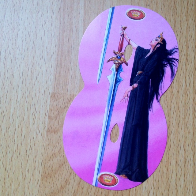 Infinity Tarot - Queen of Swords