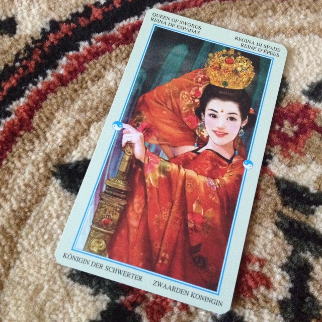 China Tarot - Minors - Swords Queen