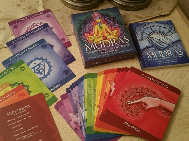 Mudras 02 Box Book Cards