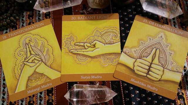 Mudras 14 Solar Plexus Chakra Cards