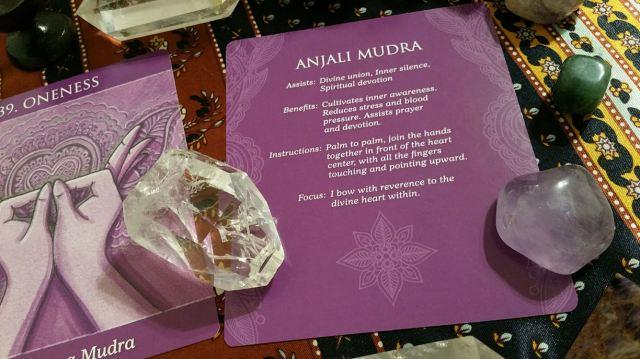 Mudras 21 Crown Chakra Info