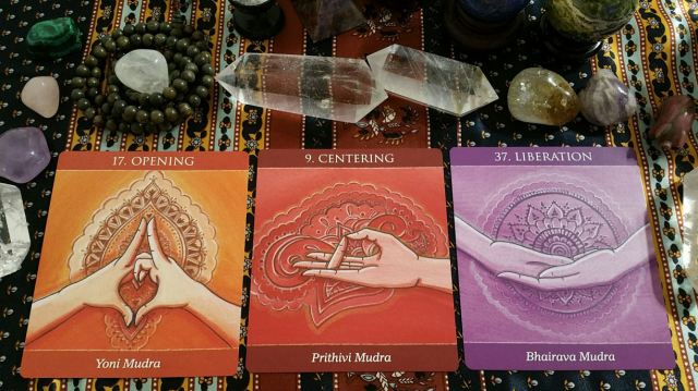 Mudras 22 Three Card Reading