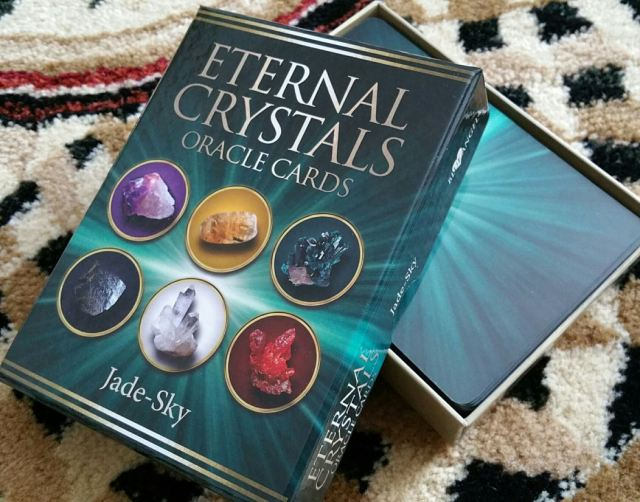Eternal Crystals Oracle Cards 04 Box Cover Open