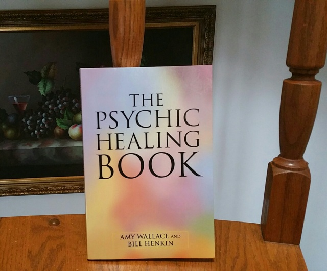 The Psychic Healing Book (Wallace and Henkin) Light