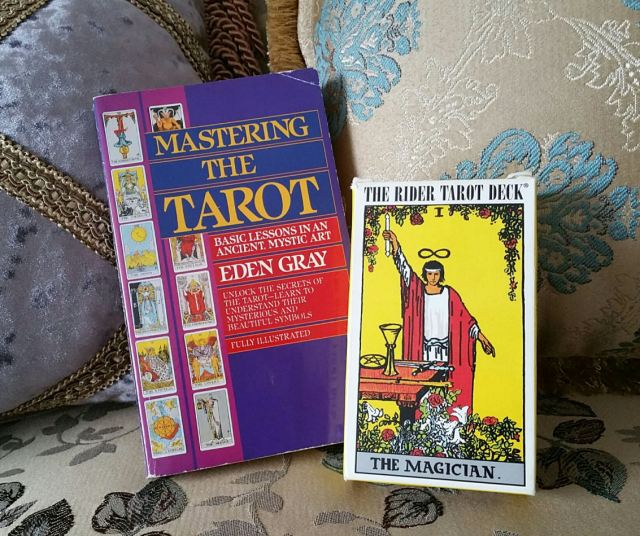 Beginner tarot study pack circa the 90s