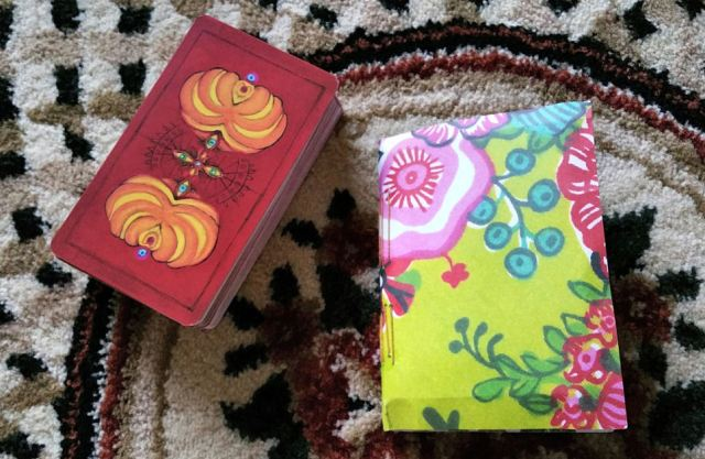 Gypsy Palace Tarot 02 Deck and Guidebook