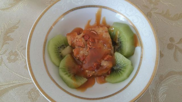 Almond and Salted Caramel Blondie served with Fresh Kiwi