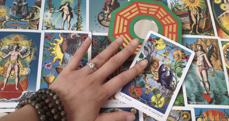 Deck: Tarot of the Holy Light by Christine Payne-Towler and Michael Dowers