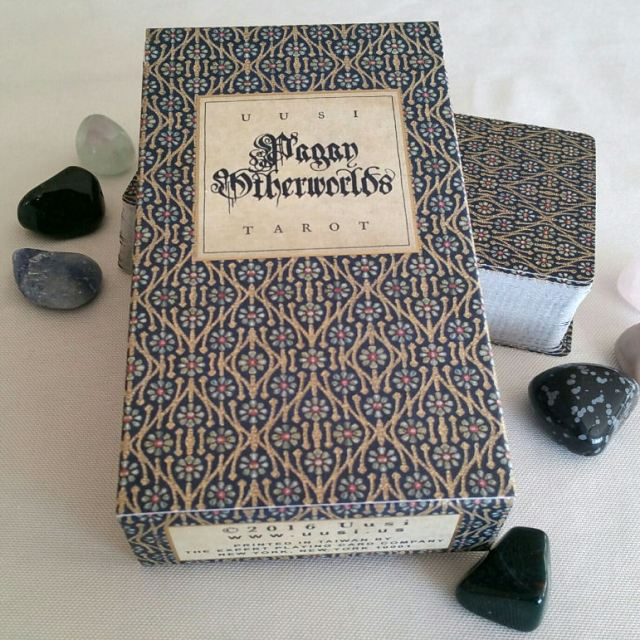 pagan-otherworlds-tarot-uusi-08-deck-box