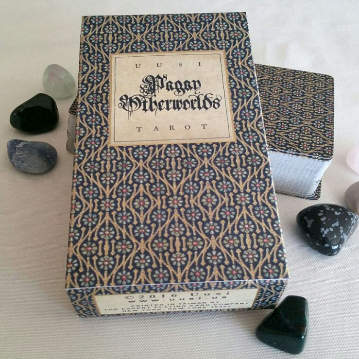 pagan-otherworlds-tarot-uusi-08-deck-box