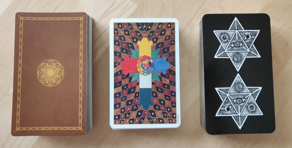 Rider-Waite-Smith (RWS) and Thoth Comparison with Spirit